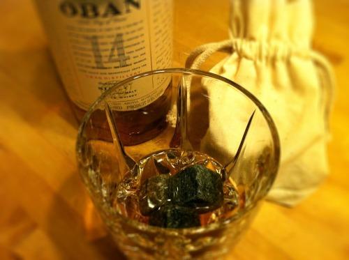 Whiskey_rocks_glass