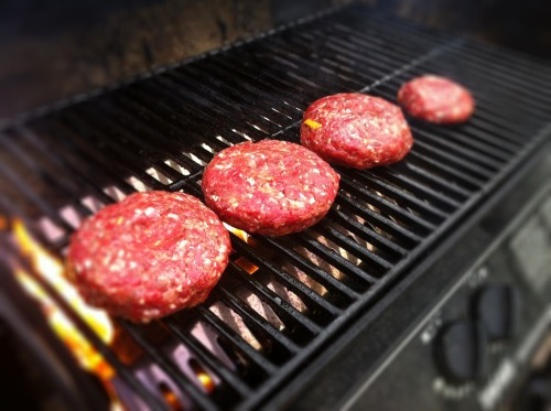 Cheeseburgers_grill_1