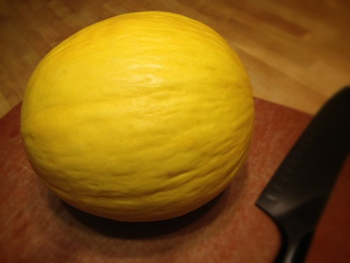 Canary_melon_uncut